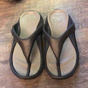 New Crocs sandals size 4/6